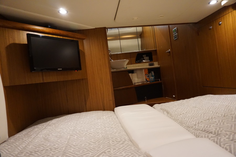 2015 45 Tiara Sovran Captains Choice GUEST STATEROOM 2