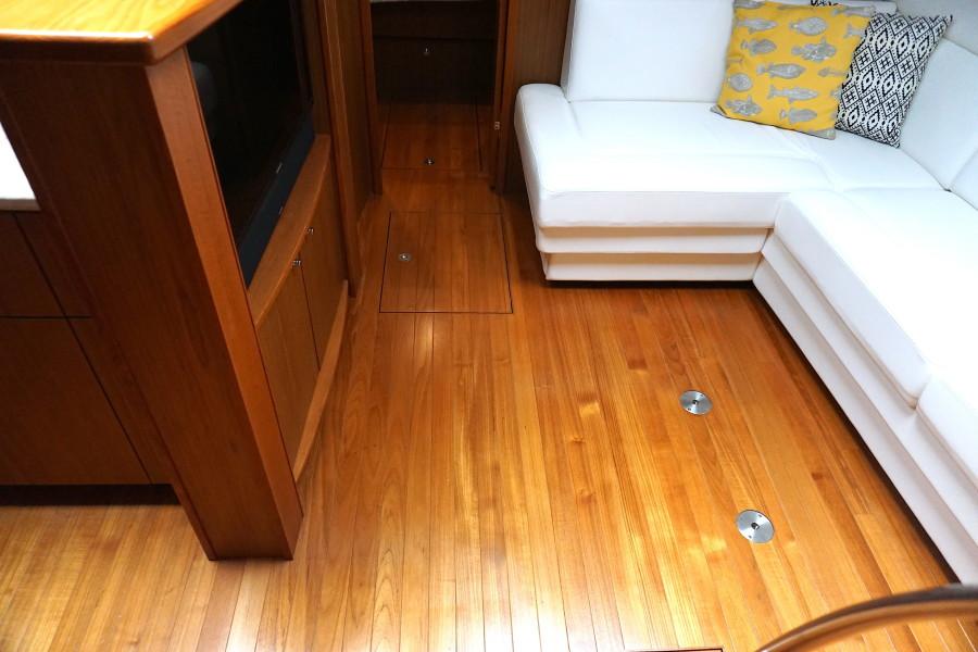 2015 45 Tiara Sovran Captains Choice SALON SOLE