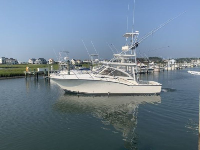 Photo of 35' Carolina Classic 35 Express 2005