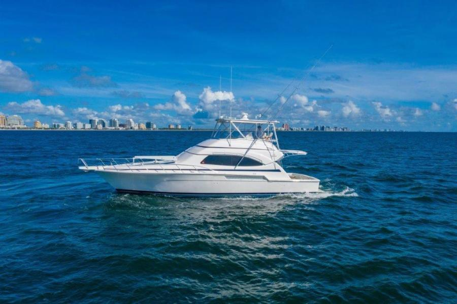 Bertram-Convertible 2004-MISS MINKS Ft Lauderdale-Florida-United States-Ocean Profile-1478701-featured