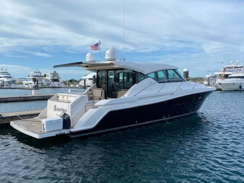 Tiara-44 Coupe 2017-SONRISA Dania Beach-Florida-United States-1479667-featured