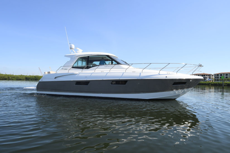 Photo of 48' Cruisers 48 Cantius 2012