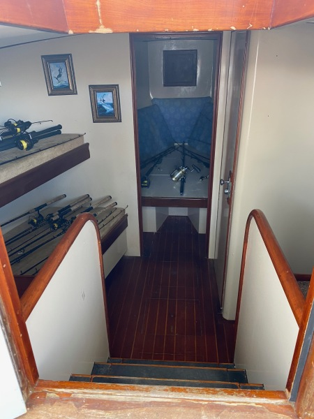 43 Torres Sport Fisher Cabin Entrance