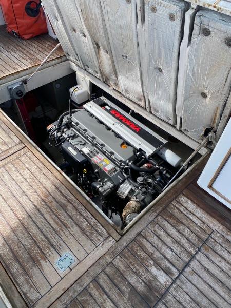 43 Torres Sport Fisher Engine Stbd