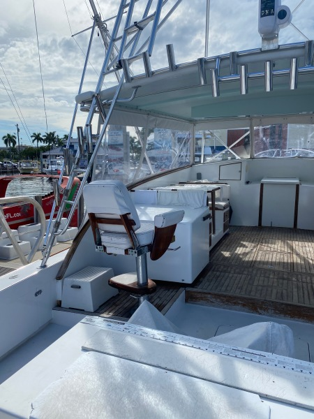 43 Torres Sport Fisher Companion Seat Port