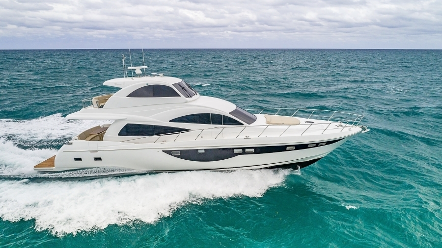 Photo of 68' Dyna Yachts 68 Skylounge 2021