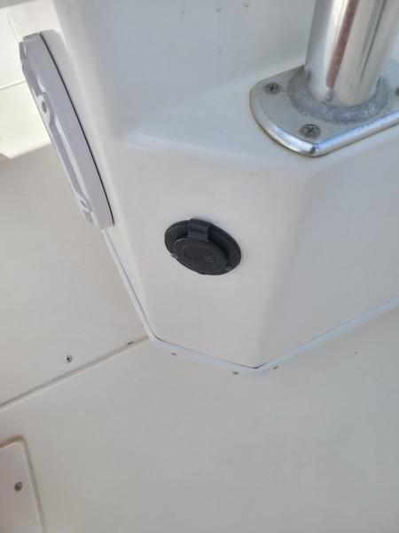2020 31 Contender -Cockpit