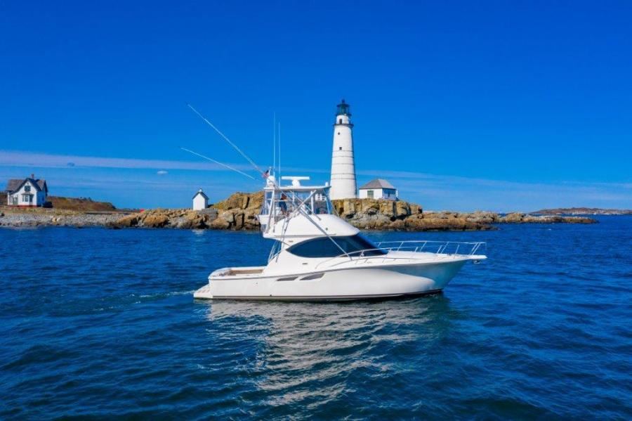 39_Tiara Profile Starboard