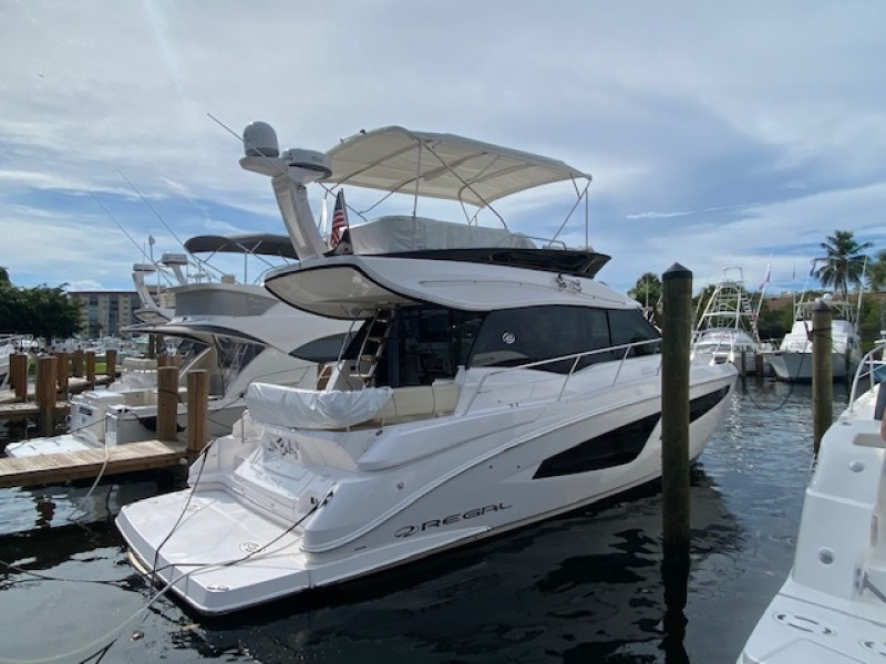 Regal-42 FLY 2020 -Fort Lauderdale-Florida-United States-1506781-featured