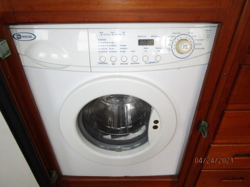 42' Grand Banks washer