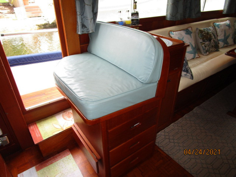 42' Grand Banks lower helm benchseat