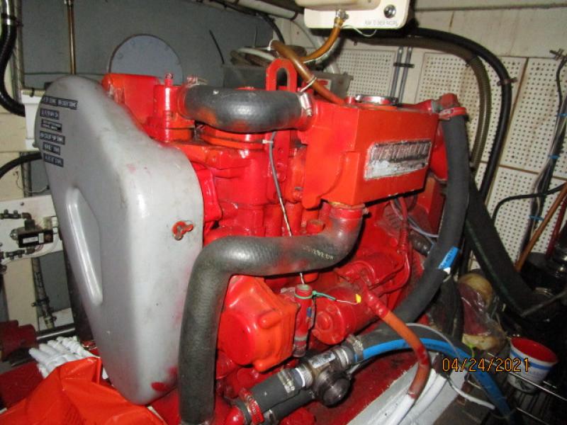 42' Grand Banks generator2