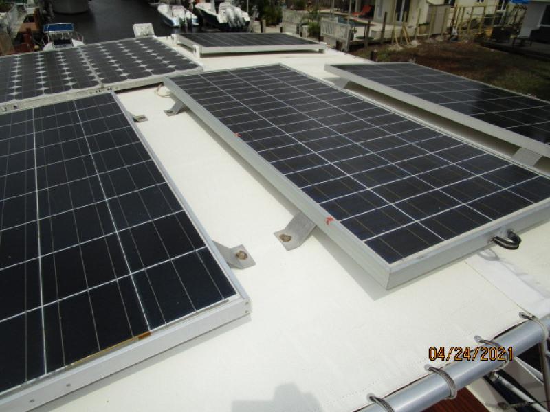42' Grand Banks solar panels