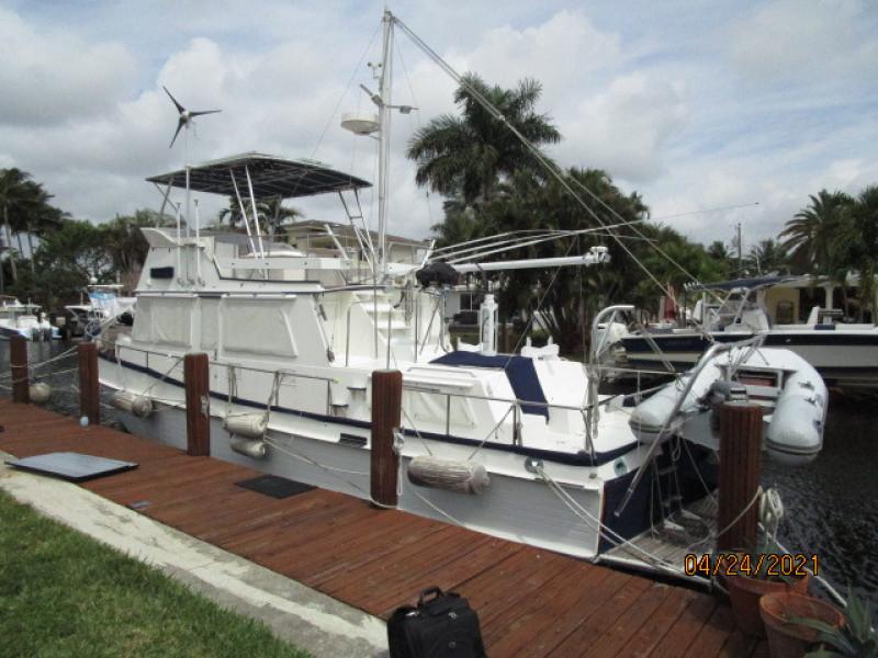 42' Grand Banks port aft profile