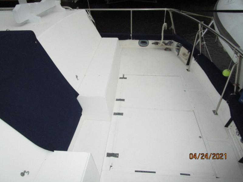 42' Grand Banks aftdeck starboard