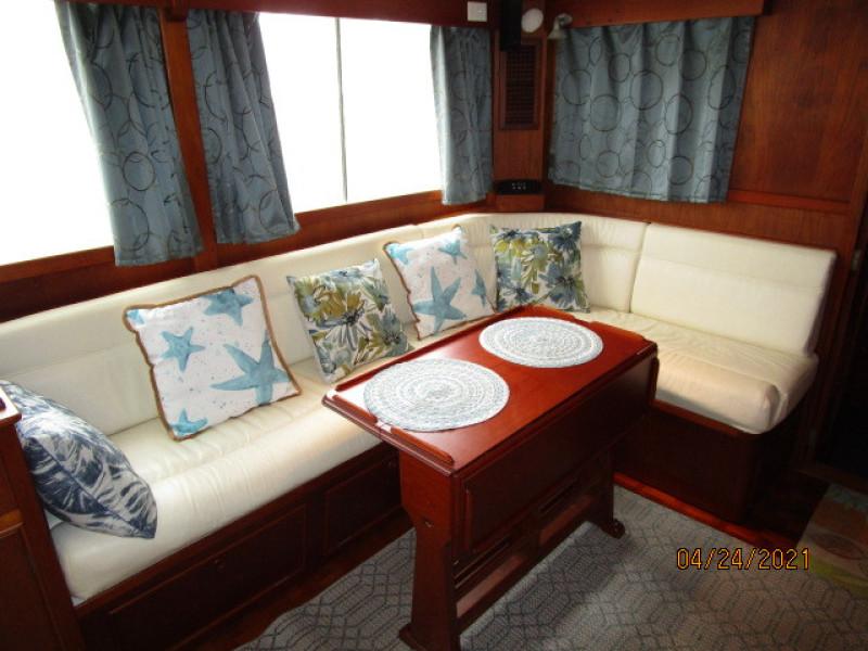 42' Grand Banks salon starboard aft seating
