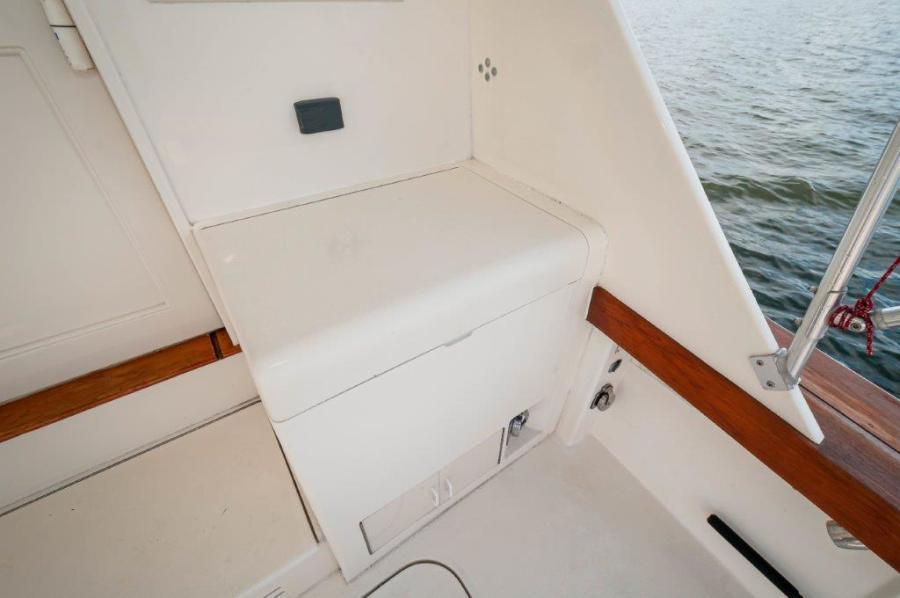 1994 50 Post Sportfish   Cockpit (4)
