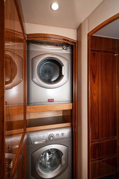 2014 66 Viking Laundry