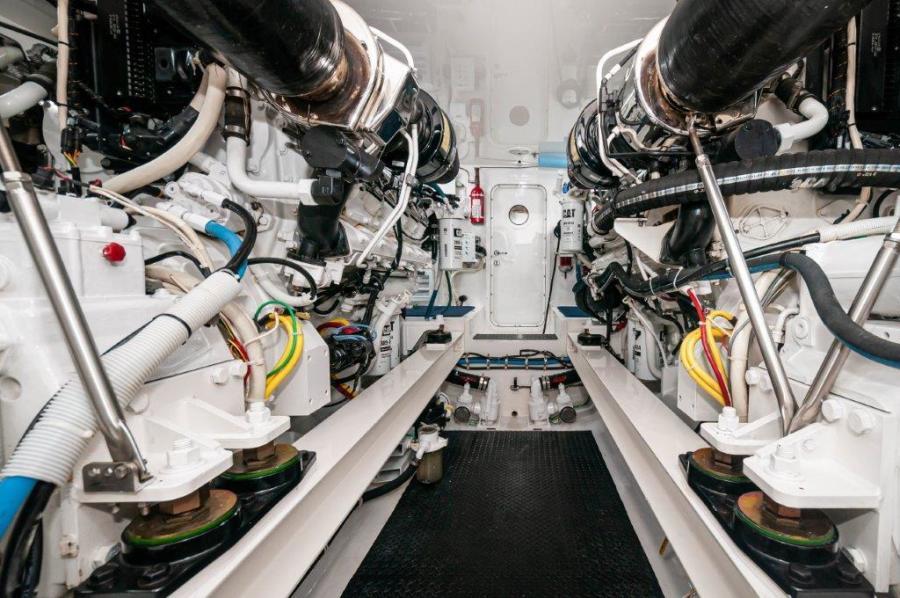 2014 66 Viking Engine Room (3)