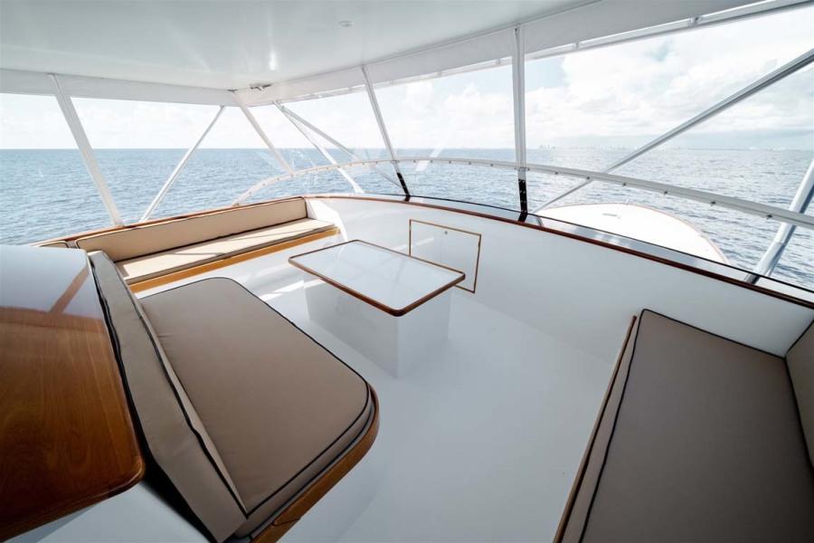 Flybridge Seating Layout