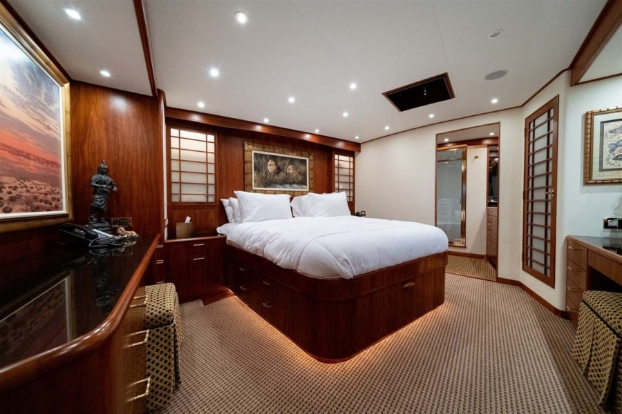 Large Master Stateroom Beautiful Layout