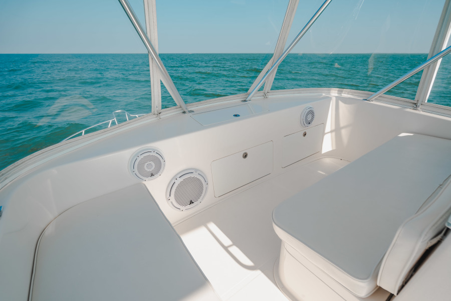 40 Cabo Convertible Flybridge Seating