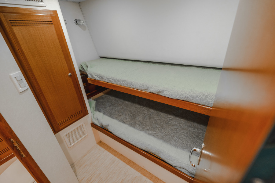 40 Cabo Convertible Guest Stateroom