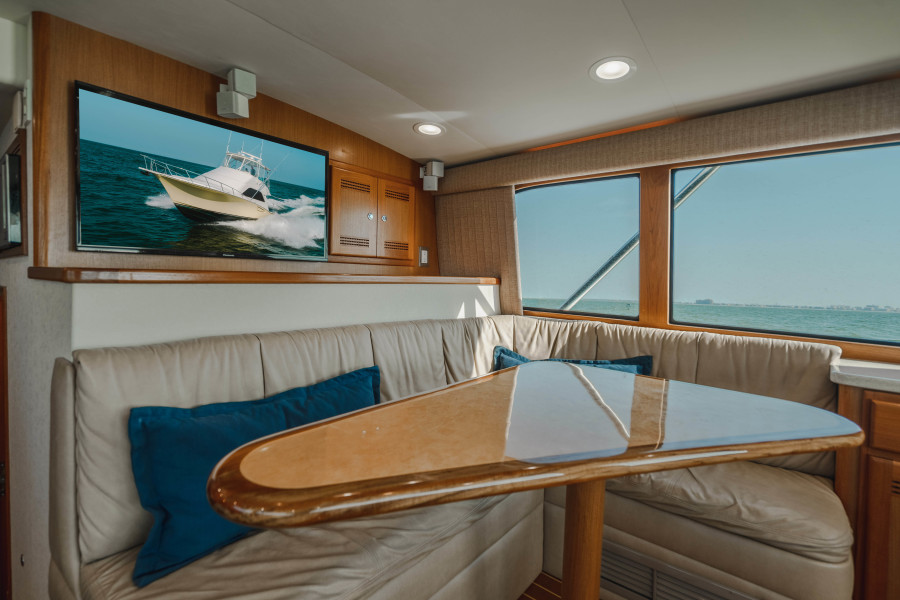 40 Cabo Convertible Dinette