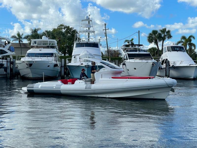 Pirelli-1100 Cabin 2014 -Fort Lauderdale-Florida-United States-1555294-featured