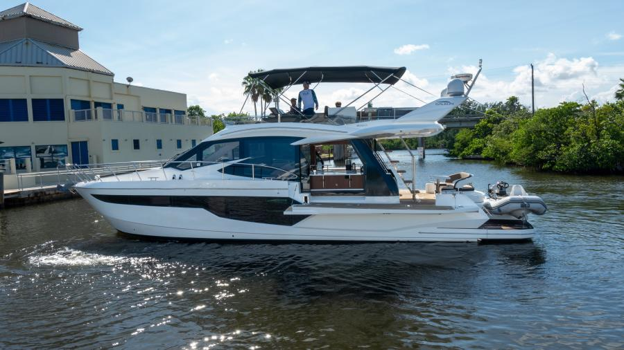 Galeon 2016-FRIENDSHIP Fort Lauderdale-Florida-United States-1555359-featured