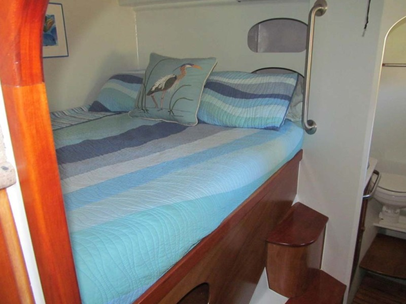 34 Starboard Berth Foward (2)