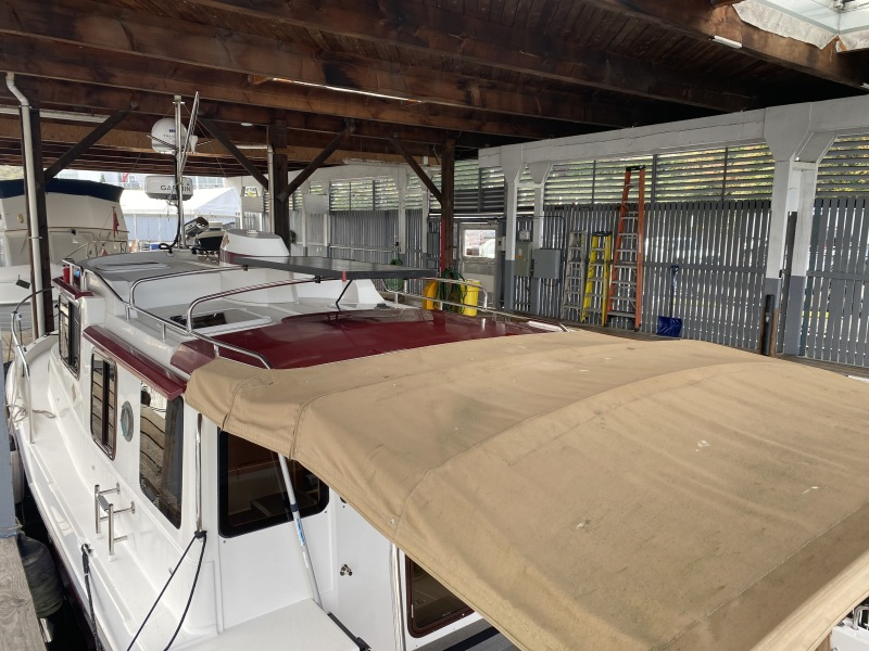 Aft Deck Bimini Solar Panel