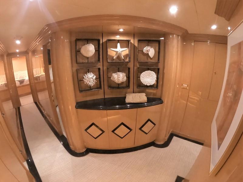 Center Piece Foyer