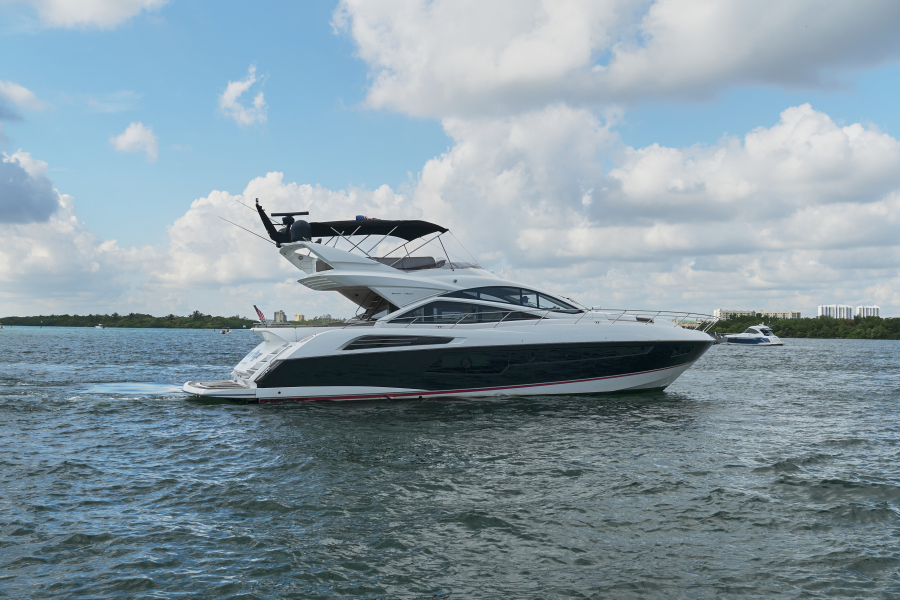 Sunseeker-68 Sport Yacht 2014-New Page Miami Beach-Florida-United States-1581164-featured