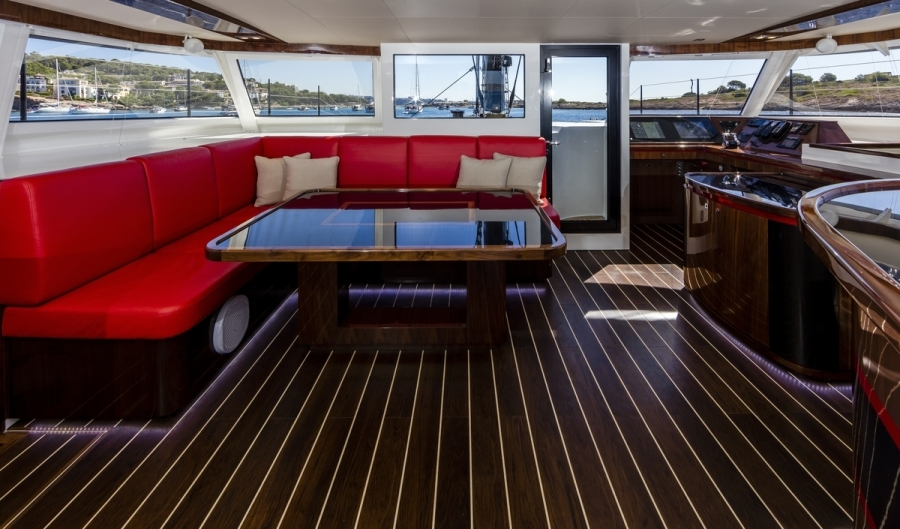 R SIX yacht for sale