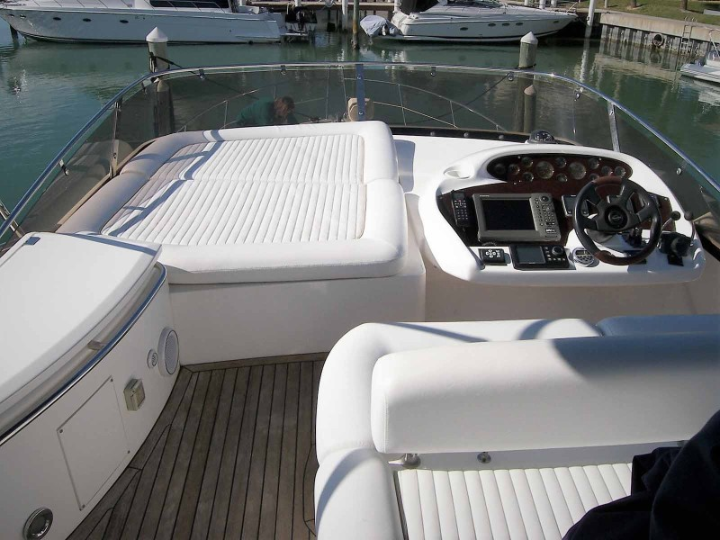 Flybridge Helm And Sunpad