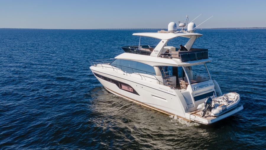 2017 63 Prestige 630FB   Profile Port Qtr Transom