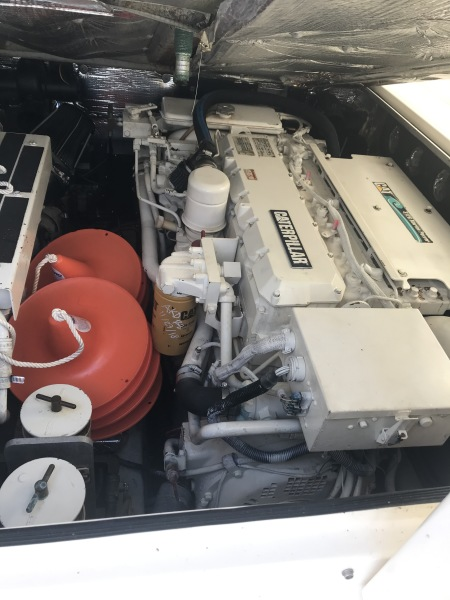 32 2001 Albermarle Engine Room