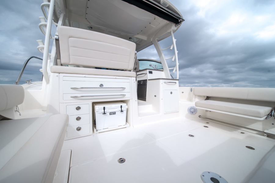 2018 Boston Whaler 345 Conquest - Happy Hours - Cockpit