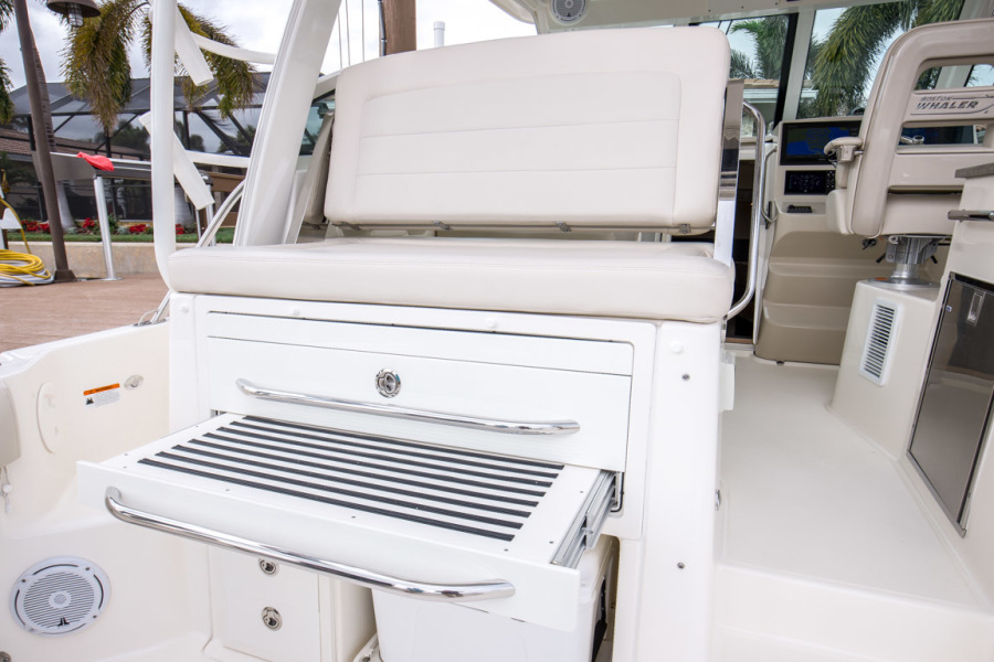 2018 Boston Whaler 345 Conquest - Happy Hours - Summer Kitchen