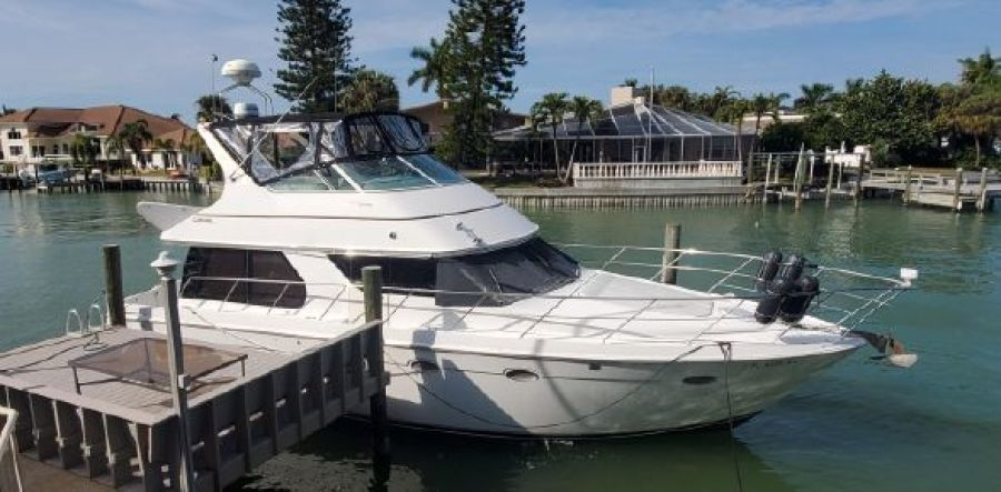 Carver 1999-Journey Saint Petersburg-Florida-United States-1589610-featured