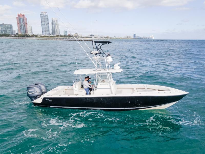 SeaVee-340B 2006 -Miami Beach-Florida-United States-1591024-featured