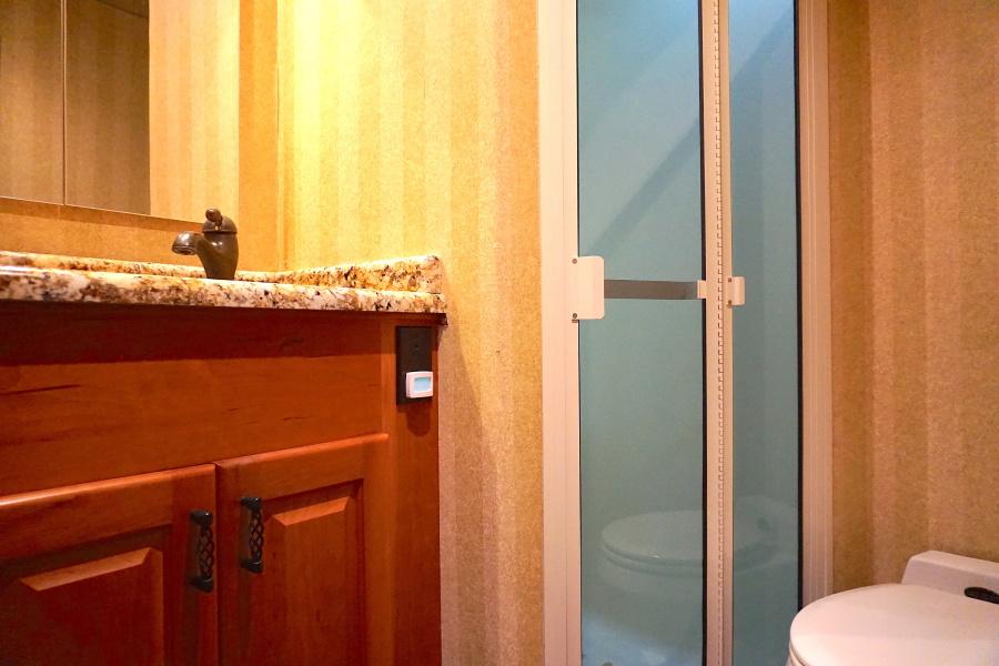 1998 72 Viking Enclosed Bridge Crown Royal Guest Head Shower