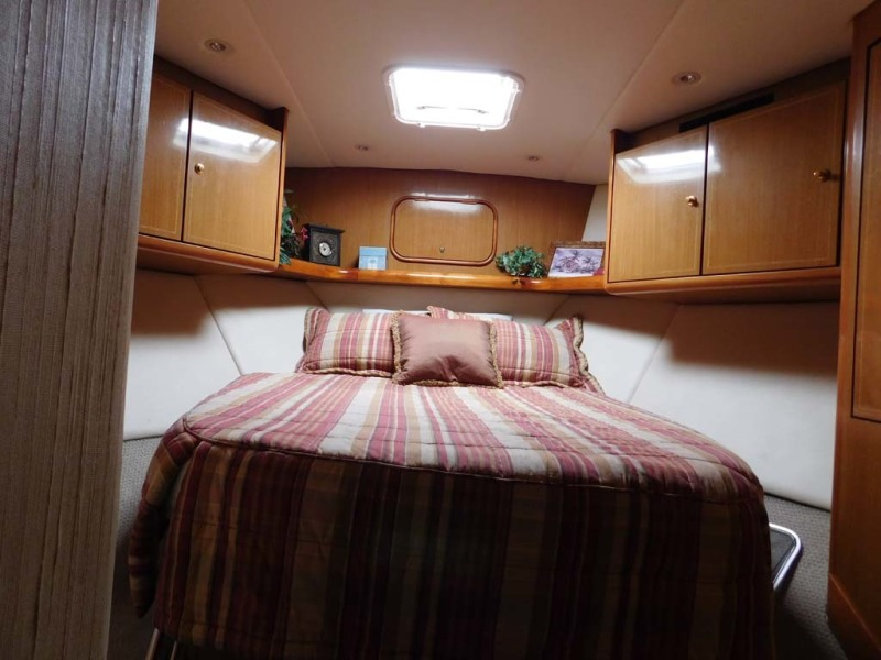 VIP Centerline Queen Berth With Drawer Storage Below