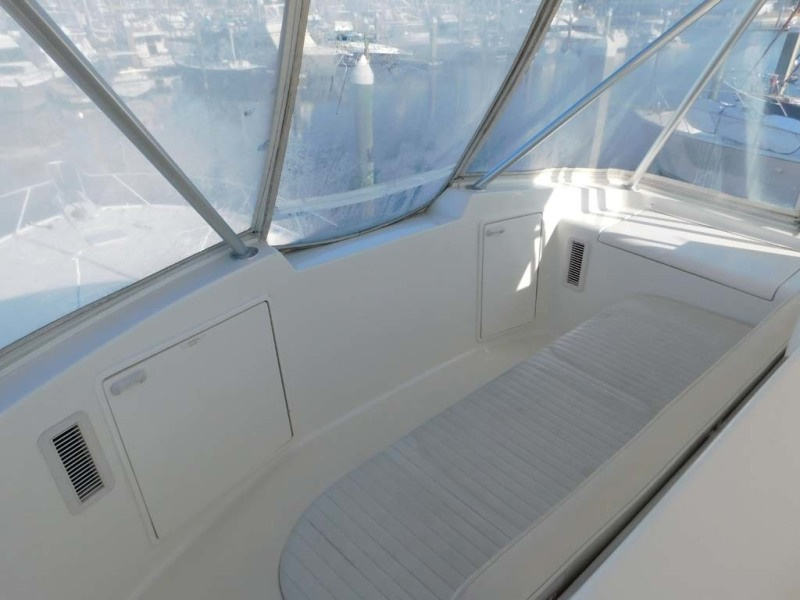 Flybridge Forward Seating With Full Enclosure