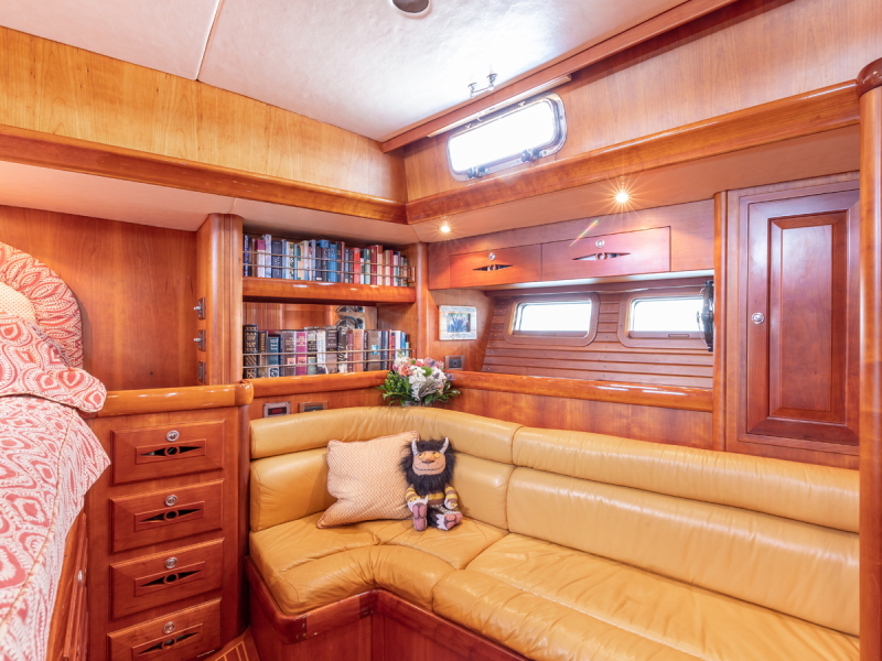 Owner's Cabin, Port