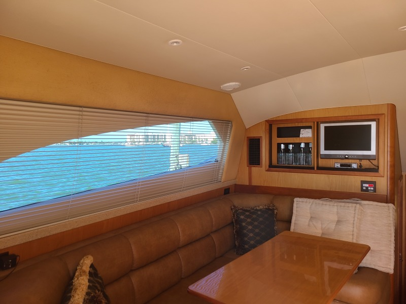 2005 36 Luhrs Convertible - Tight Lines - Salon/Dinette Storage