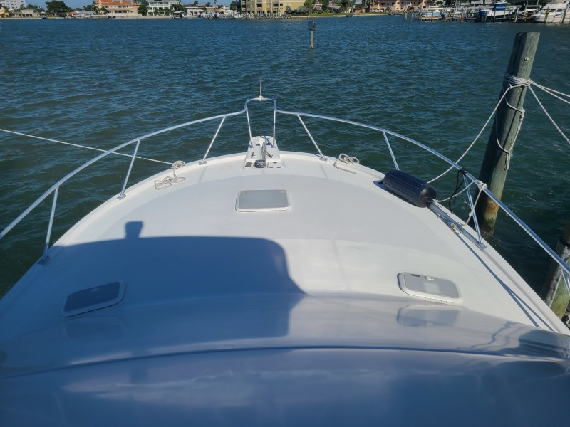 2005 36 Luhrs Convertible - Tight Lines - Bow
