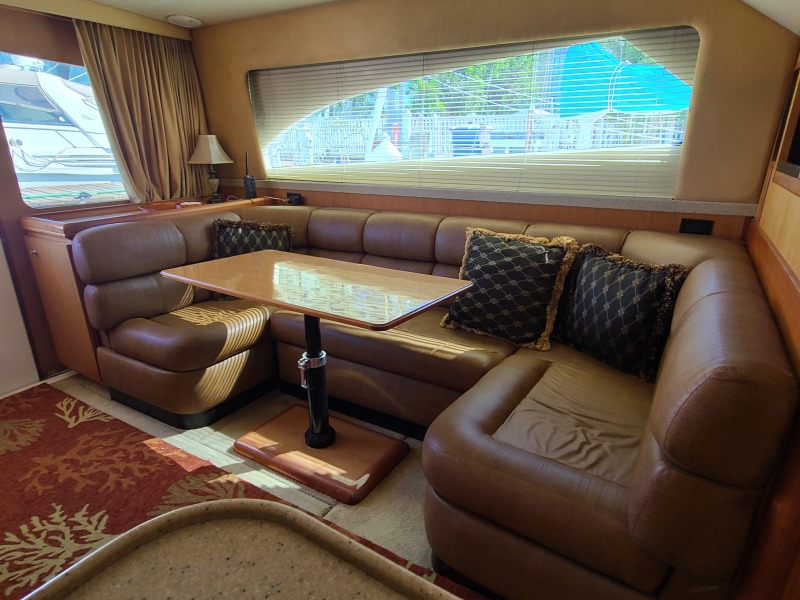 2005 36 Luhrs Convertible - Tight Lines - Dinette