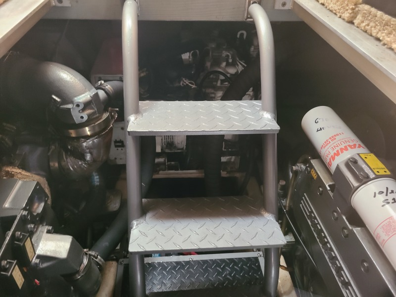 2005 36 Luhrs Convertible - Tight Lines - Engine Room Ladder